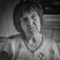 Разговор с бабушкой :: Дмитрий Михайлович Сарасек