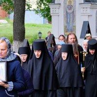 Монастырь. Повседневная жизнь. С Праздником! :: Геннадий Александрович