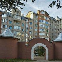 Детская площадка :: юрий Амосов