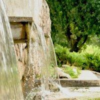 Искусственный водопад :: Светлана Асекритова