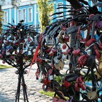 Любовь скрепленная замками :: Александр Гапоненко