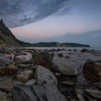 Вид на бухту Инал вечером :: Владимир Бегляров