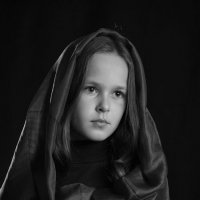 Девочка в покрывале :: Римма Алеева