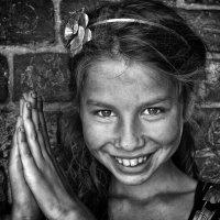Дарина девочка из Большой цыганской семьи. :: дмитрий мякин