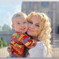 Самая прекрасная из женщин... женщина с ребенком на руках..... :: Людмила Богданова (Скачко)