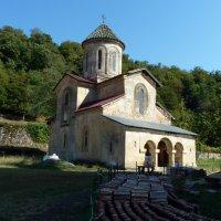 Гелатский монастырь :: Наталья Джикидзе (Берёзина)