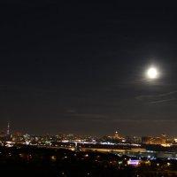 луна над Москвой :: Иван Жеребненко