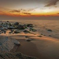 Закатное небо над тихим прибоем :: Павел Кухоренко