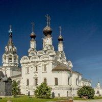 Благовещенский собор Свято-Благовещенского  мужского монастыря (1652г) :: Игорь Егоров