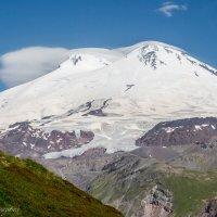 Вершины Эльбруса (вид с горы Чегет) :: Михаил Ермаков