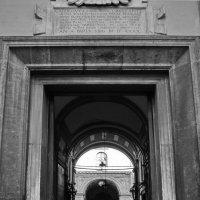 Ворота в правосудие :: M Marikfoto