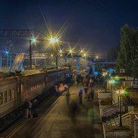 Скорый поезд Москва - Воркутю стоит в Ижевске на первом путю. - Тю, що я... :: Владимир Максимов