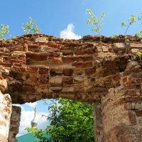 Развалины старой Троице-Сергиевской церкви :: Георгий Кашин