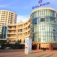 ресторан на берегу моря :: valeriy khlopunov