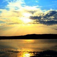 Красивый вечер у воды :: Анатолий