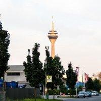 Телебашня с территории порта :: Witalij Loewin