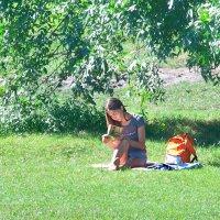 Читающая девушка. :: Наталья