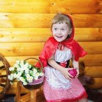 Фотосессия Красной шапочки :: марина алексеева