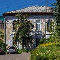 Дворик в Костроме :: Elena Ignatova