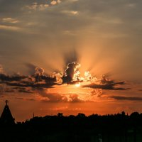 Свято-Никольский храм на закате :: Nyusha