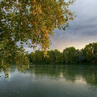 У реки. :: Виктор Гришенков