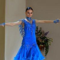 Танец :: Виктор Коршунов