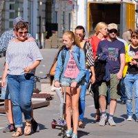 Городские зарисовки. Современники и современницы. ...от Охотного... до Никольской... :: Геннадий Александрович