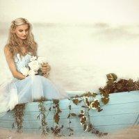 Девушка в лодке :: Светлана