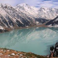Я люблю отражения гор на поверхности чистых озер. :: Anna Gornostayeva