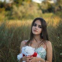 Девушка на природе :: Михаил Тихонов
