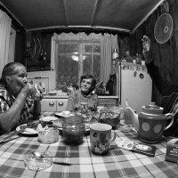О чём сегодня спорят старики? Какую тему нынче поднимают? :: Ирина Данилова