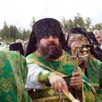 Крестный ход в Крыпецком монастыре :: Сергей