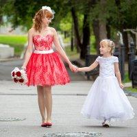 Мама и дочь... :: Виталий Левшов