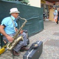 Кубинские мелодии  на улицах Римини... :: Татьяна Латышева