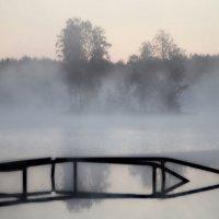 Рассвет у старой купальни... :: Юрий Цыплятников