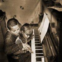 Урок музыки от брата :: Владимир Дядьков