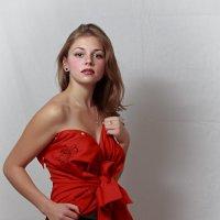 Девушка в красном - полная версия :: ferro