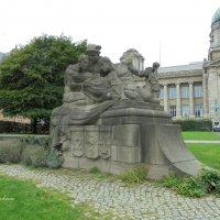 """Скульптура """"Ученые"""" :: Nina Yudicheva"""