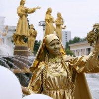 как много девушек хороших :: Олег Лукьянов