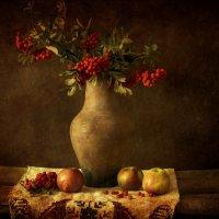 Ярко ягоды горят :: Ольга Синегубова