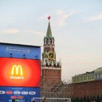 Футбол на Красной площади :: Евгений Кривошеев