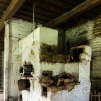 Развал печи в старом заброшенном доме :: Никола Н