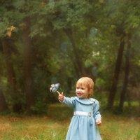 Маленькая Олечка в волшебном лесу :: Светлана Попова