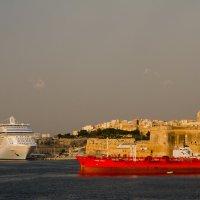 Раннее утро в порту :: Сергей Баклановский