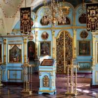В храме всегда спокойно и уютно... :: Александр Попов
