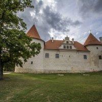 Тевтонский замок. г. Бауска :: Gennadiy Karasev