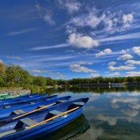 Лодки на озере :: Николай Емелин