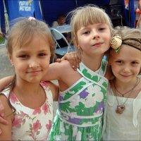 Три подружки :: Нина Корешкова