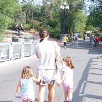 Девчонки идут в зоопарк! :: Наталья