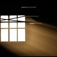 Свет из окна... :: Николай Емелин